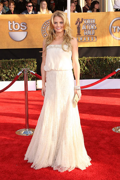Jennifer Morrison wears Anne Valérie Hash