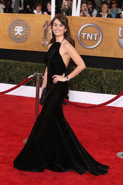 Penelope Cruz wears Alaia