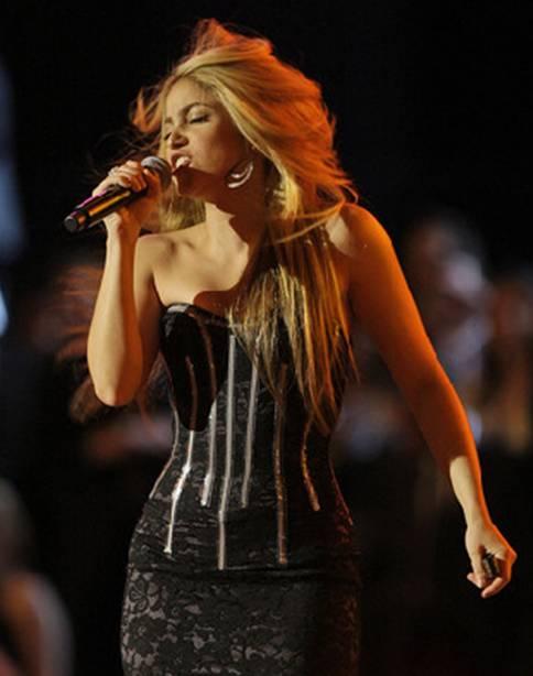 Shakira performs at the Neighborhood Inaugural Ball 2009