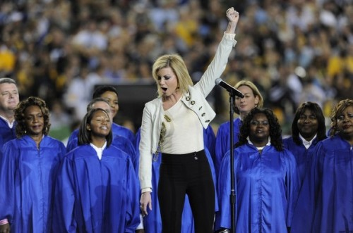 """Faith Hill performs """"America the Beautiful"""" at the Superbowl Feb. 1, 2009"""
