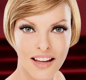 Canadian model Linda Evangelista for L'Oreal Paris Beauty Tubes
