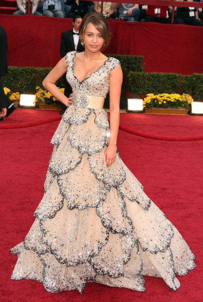 """Miley Cyrus wears a dress by Zuhair Murad 'inspired' by the 1949 Dior """"Junon"""""""
