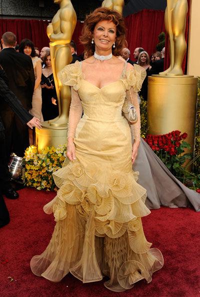Sophia Lauren- should we pardon her red carpet fashion crime?