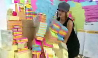 Kim loves arts and crafts (and destroying the Post-It order.)