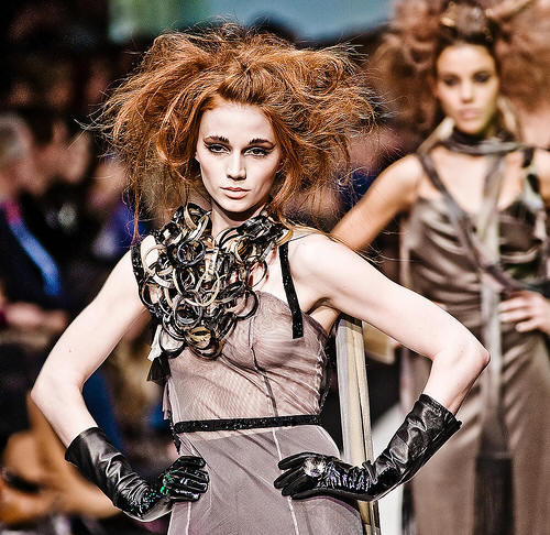Lucian Matis FW09 collection is accessorized with Dandi Maestre's jewelry designs