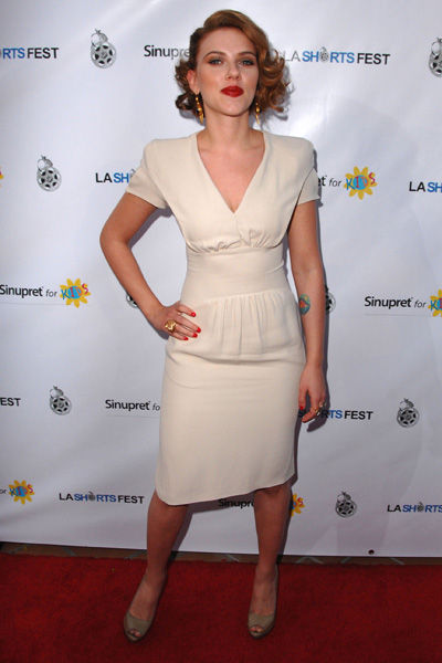 Yay or Nay: Scarlett Johansson wears Prada