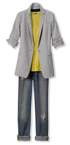 A simple mustard yellow tee brings to life this easy blazer and boyfriend jean.
