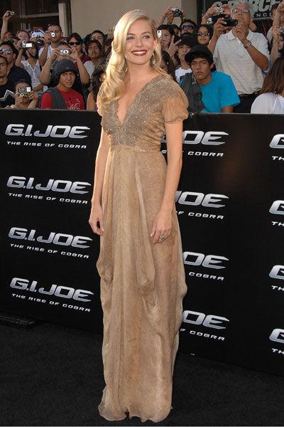 Sienna Miller wears YSL to a screening of G.I. Joe in L.A.