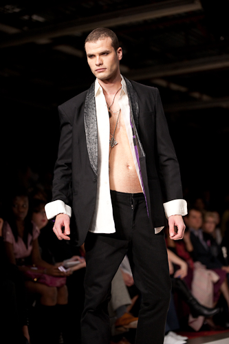 Lizares spring 2010 collection; image courtesy of Peter Lytwyniuk at StudioLit