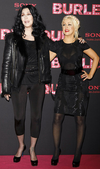 fashion faux pas friday cher and christina aguilera fashion in motion. Black Bedroom Furniture Sets. Home Design Ideas