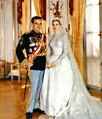 Prince Rainier and Grace Kelly's wedding photo- and we know what she smelled like