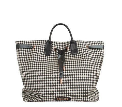 shopping bag Arabesque, €330, Repetto