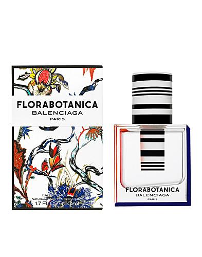 Watch Kristen Stewart the Face of Balenciaga Florabotanica Fragrance video