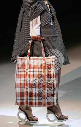 Marc Jacobs_Louis Vuitton_Nylon plaid shopping bag