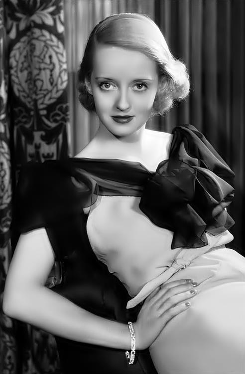 Bette Davis was quite the stunner
