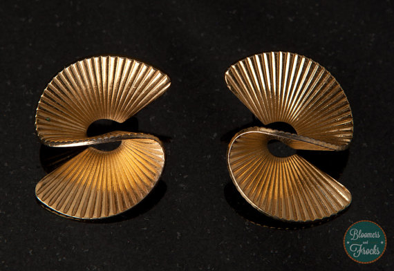 Vintage gold tone swirl earrings, $12 at Bloomer And Frocks