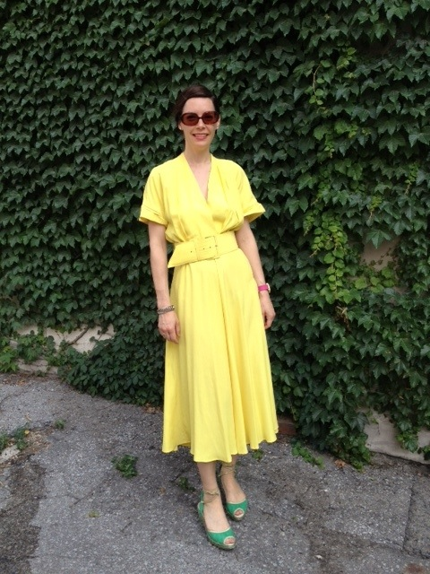 Mellow yellow this is not. You're looking at the brightest dress on the street and in the halls at CBC's HQ. It's a fab vintage number that I found at Persepone Vintage on Etsy