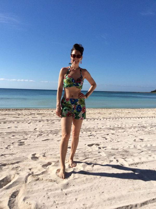 On the morning beach under the Mexican sun and in a vintage outfit, at last